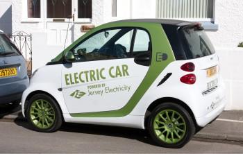연구팀이 개발한 전극을 사용해 배터리를 개발하면, 전기자동차를 통해 장거리 여행도 가능할 것으로 보인다. - Wikimedia 제공